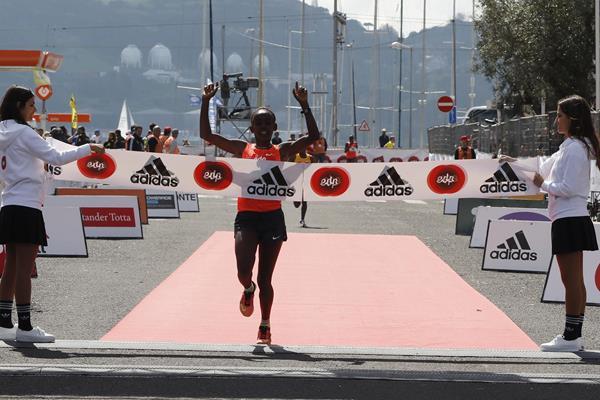 Ruti Aga wins the 2016 EDP Lisbon Half Marathon (Organisers)