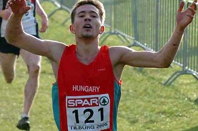 Hungary's Barnabás Bené wins this second European junior XC gold - Tilburg (Hasse Sjögren)