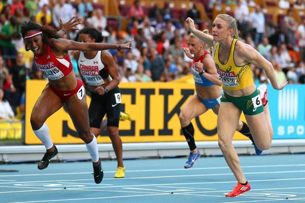 Brianna Rollins and Sally Pearson in the womens100m Hurdles at the IAAF World Athletics Championships Moscow 2013 (Getty Images)