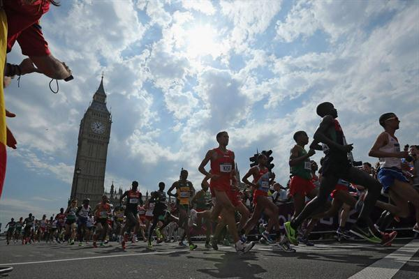 Competitors take part in the men's Marathon of the London 2012 Olympic Games on August 12, 2012  2 (Getty Images)