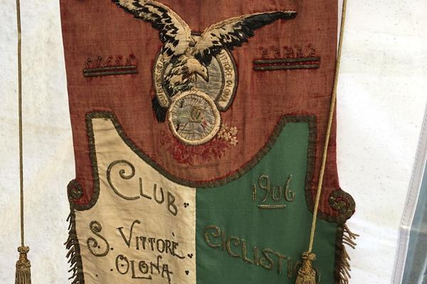 The original pennant of the Unione Sportiva San Vittore Olona which was founded in 1906. The club are the organisers of the Cinque Mulini XC (WA Heritage)