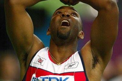 Darren Campbell of Great Britain celebrates winning bronze in the men's 100m final (Getty Images)