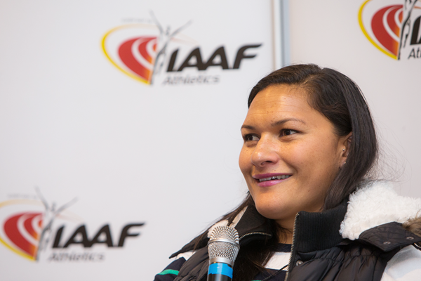Valerie Adams speaks to the media (Philippe Fitte / IAAF)