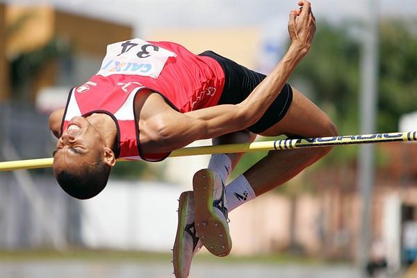 Jessé Farias de Lima jumping in Uberlandia (Bruno Miani/CBAt)