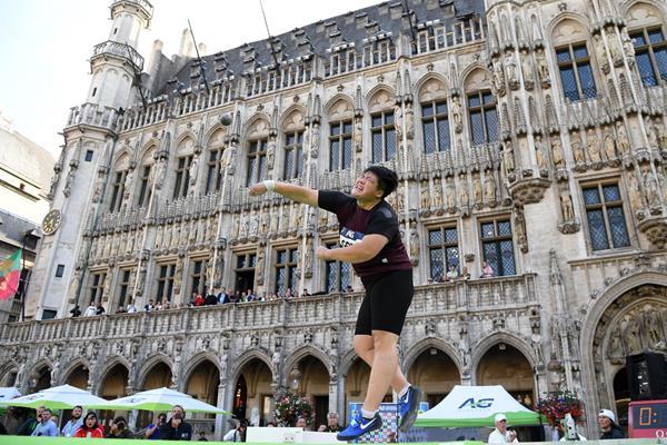 Lijiao Gong winning the Diamond League shot put title in Brussels (Gladys Chai von der Laage)