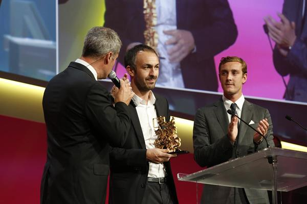 Gael Leiblang receives the Image of the 25 Years of Sportel award at the Golden Podium Awards (Sportel)