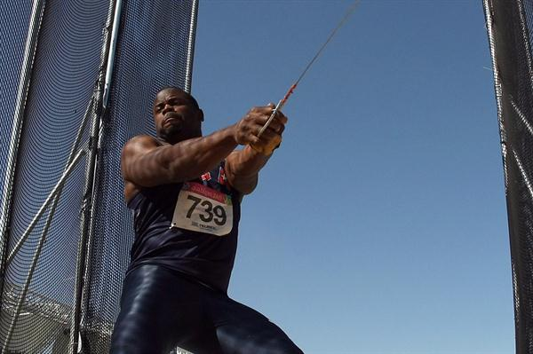 Kibwe Johnson (USA) spins to a new Pan Am Games record in Guadalajara (Getty Images)