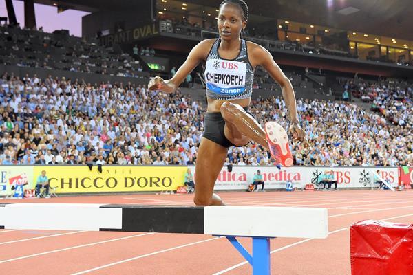 Beatrice Chepkoech on her way to winning the 3000m steeplechase at the IAAF Diamond League final in Zurich (Jiro Mochizuki)