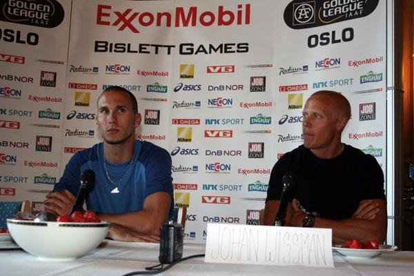 Jeremy Wariner and Johan Wissman at the Bislett Games pre-meet press conference at Oslo's City hall (Bob Ramsak)