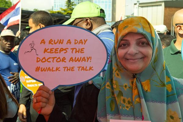 A participant in the 'Walk the Talk: Health for All Challenge' in Geneva (Bob Ramsak)