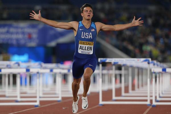 Devon Allen anchors USA to victory in the mixed shuttle hurdles relay at the IAAF World Relays Yokohama 2019 (Roger Sedres)