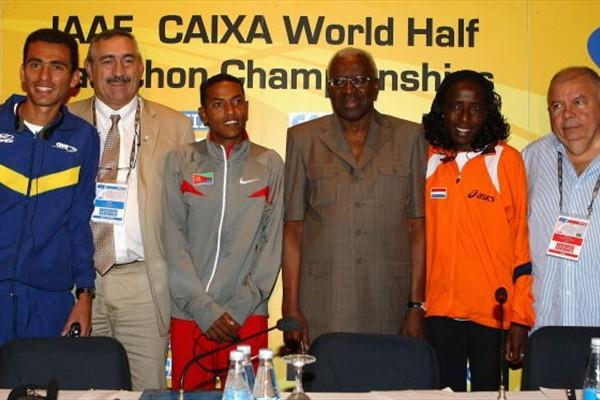 Rio 2008 - Marilson Gomes dos Santos, IAAF General Secretary Pierre Weiss, Zersenay Tadese, IAAF President Lamine Diack, Lornah Kiplagat and Roberto Gesta de Melo, Brazilian Athletics Confederation and LOC President (Getty Images)