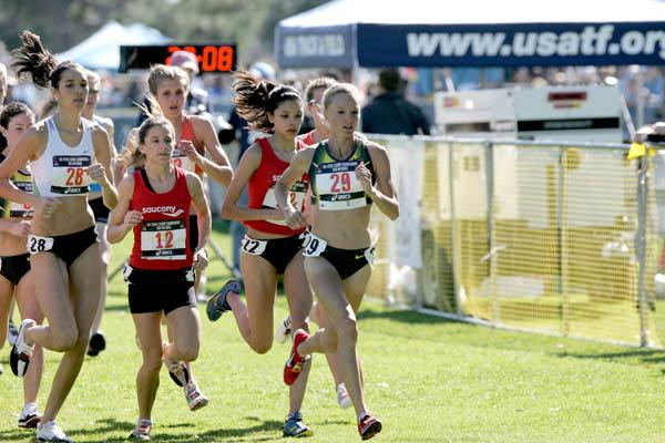 Shalane Flanagan on the way to a commanding win at the US Cross Country Championships (Andrew McClanahan/Photo Run)