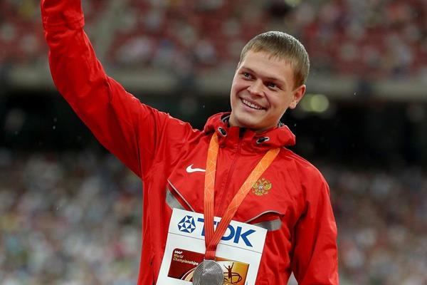 Denis Kudryavtsev on the medal podium at the IAAF World Championships Beijing 2015 (Getty Images)