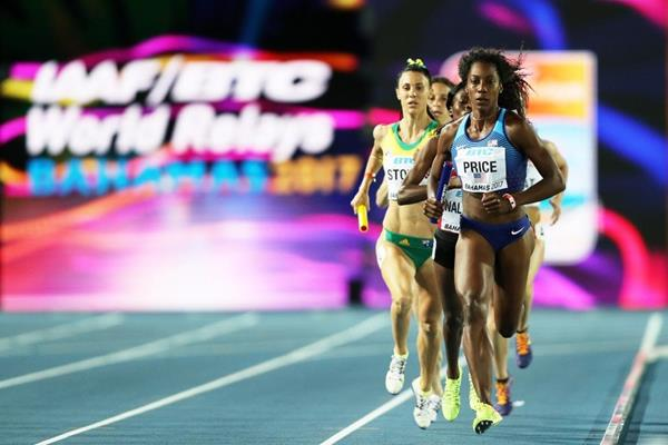 USA's Chanelle Price leads the 4x800m at the IAAF/BTC World Relays Bahamas 2017 (Getty Images)