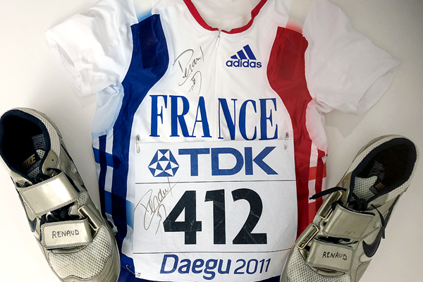 Renaud Lavillenie's signed kit from the IAAF World Championships Daegu 2011 (IAAF)