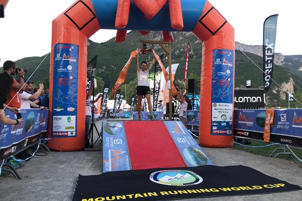 Andrew Douglas wins at the Salomon Gore-tex Maxi-Race, the first leg of the 2019 WMRA World Cup (WMRA)
