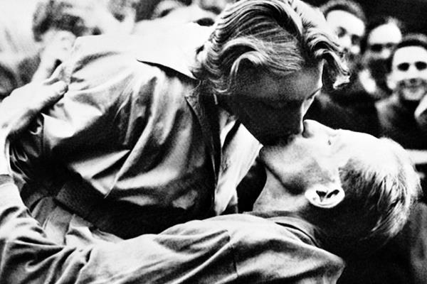 Dana Zatopkova and Emil Zatopek at the 1952 Olympic Games (AFP / Getty Images)