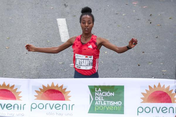 Netsanet Gudeta wins in Bogota (VIctah Sailer/organisers)