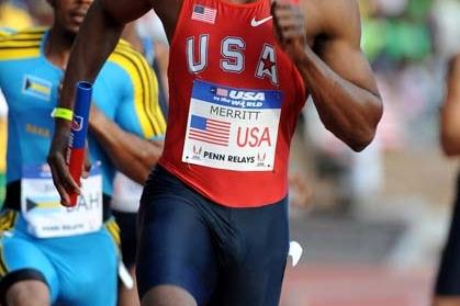 Olympic 400m champion LaShawn Merritt anchors home USA 'RED' in 2009 Penn Relays (Kirby Lee)