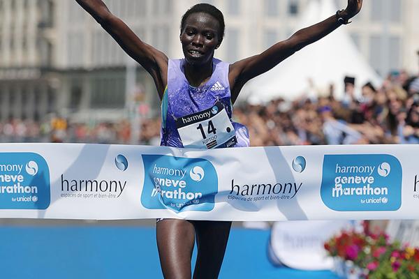 Jane Kiptoo wins the Geneva Marathon (Organisers / Obrenovitch / mouv-up.com)