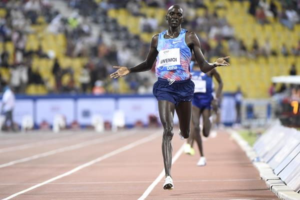 Ronald Kwemoi takes the Doha 3000m (Hasse Sjogren/Jiro Mochizuki)