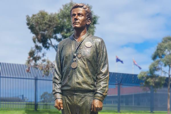 Statue of Peter Norman outside Lakeside Stadium in Melbourne (Brian Roe)