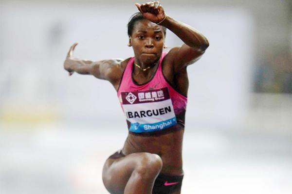 Caterine Ibarguen leaps a world-leading 14.69m at the Shanghai Diamond League (Jiro Mochizuki)