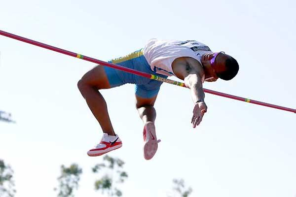Bryan Clay takes USATF Decathlon by storm on first day (Getty Images)