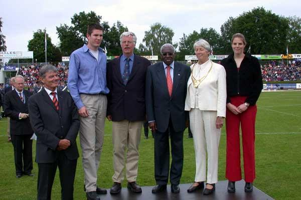 IAAF President Lamine Diack (3rd from right) is flanked by Jan Blankers (l) and Fanny Blankers (r) at IAAF Golden Order of Merit presentation at Hengelo (c)