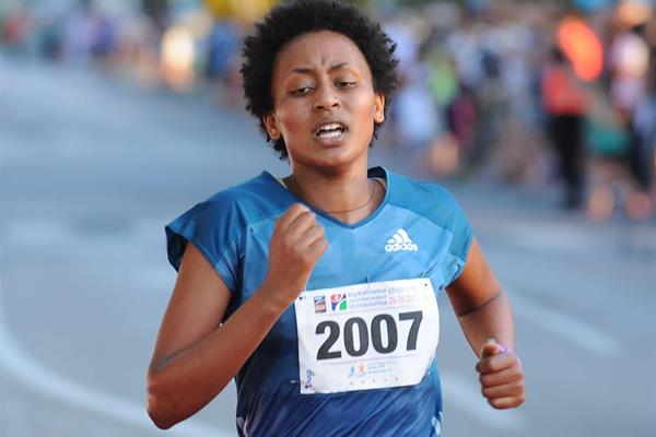 Belaynesh Tsegaye en route to her victory in the Vidovdan Road Race in Brcko (Organisers)