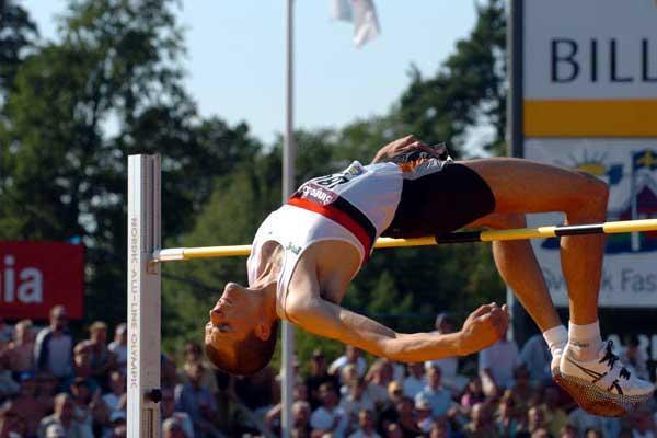 Staffan Strand clears 2.30m at Swedish championships (Hasse Sjögren)