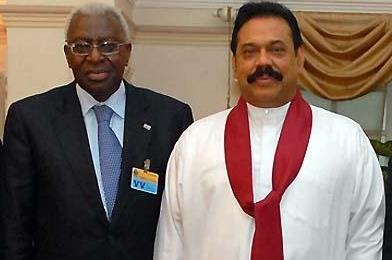 President Diack and Sri Lankan state President Mahinda Rajapaksa (IAAF.org)