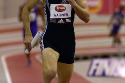 Jeremy Wariner anchors a U.S. squad to a 3:01.96 World indoor record (Randy Miyazaki)