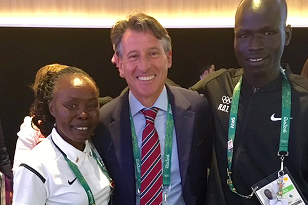 Tegla Loroupe, IAAF President Sebastian Coe and 800m runner Yiech Pur Biel of the Refugee Olympic Team (IAAF)
