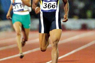 Susanthika Jayasinghe (SRI) racing towards victory in women's 200m at South Asian Games in Colombo (Dinesh Weerawansa)