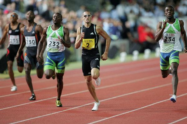 Jeremy Wariner's homestretch battle in Zurich (Getty Images)