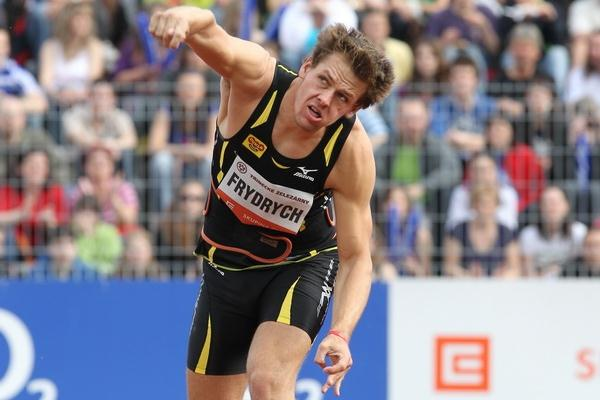 Petr Frydrych launches a PB 88.23m in Ostrava (www.graf.cz)