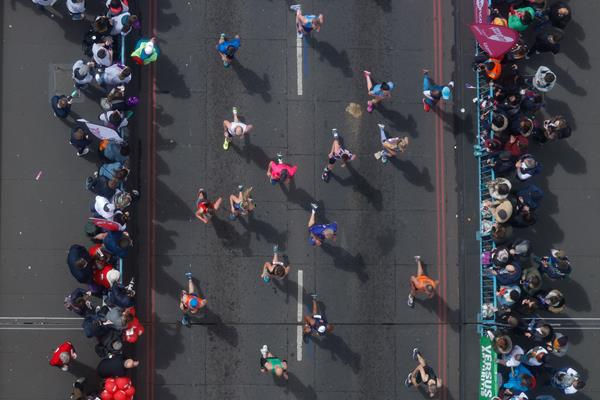 Runners cross Tower Bridge during the London Marathon (AFP / Getty Images)