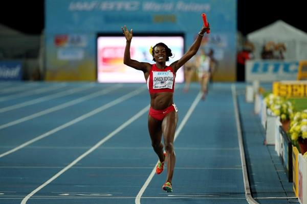 Alysia Montano winning the 4x800m for the USA at the IAAF/BTC World Relays, Bahamas 2015 (Getty Images)