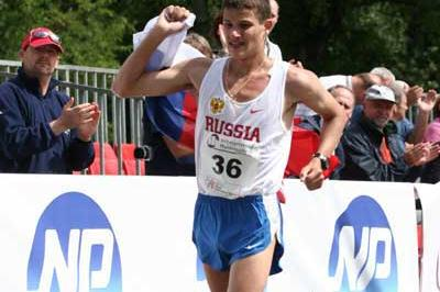 Vladimir Kanaykin wins the 2007 European Cup of Race Walking (Tim Watt)