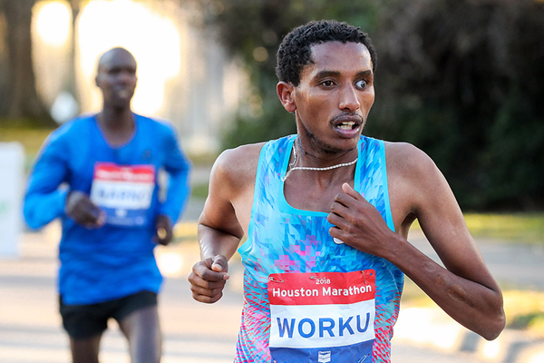 Bazu Worku on his way to winning the Houston Marathon (Victah Sailer / organisers)