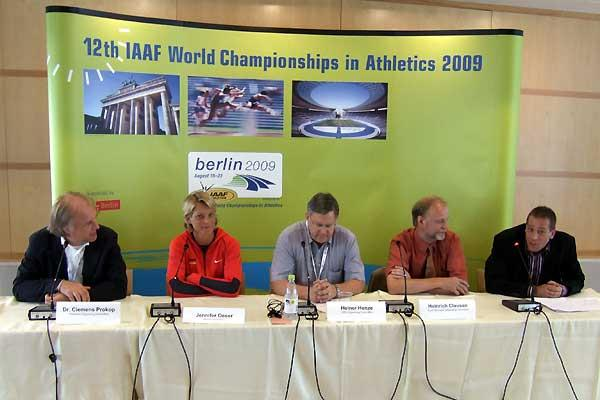 Berlin 2009 press conference - l to r: Prokop, Oeser, Henze, Clausen, and asking the questions Stefan Thies (Chris Turner)