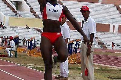 20-year old Yargelis Savigne (CUB) - 6.77m Long Jump (Javier Clavelo)