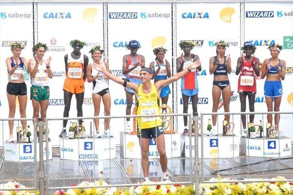 2004 Olympic marathon bronze medallist Vanderlei de Lima makes his final career appearance in Sao Paulo (Hélio Nagai, ZDL)
