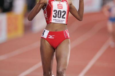 Meseret Defar winning the 3000m at the 2006 Sparkassen Cup (Bongarts)