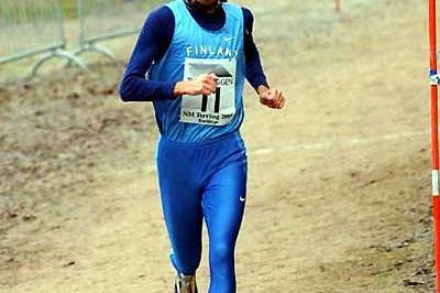 Samuli Vasala (FIN) wins the 2003 Nordic Cross Country Championships (Hasse Sjögren)