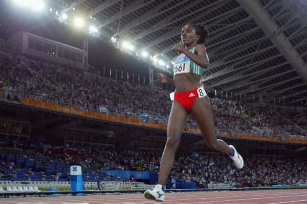 Tirunesh Dibaba of Ethiopia takes bronze in the 5000m (Getty Images)