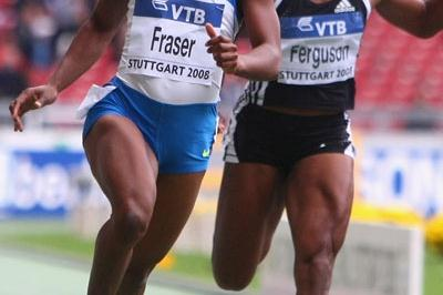 Shelly-Ann Fraser dips under 11 seconds to win the women's 100m (Getty Images)