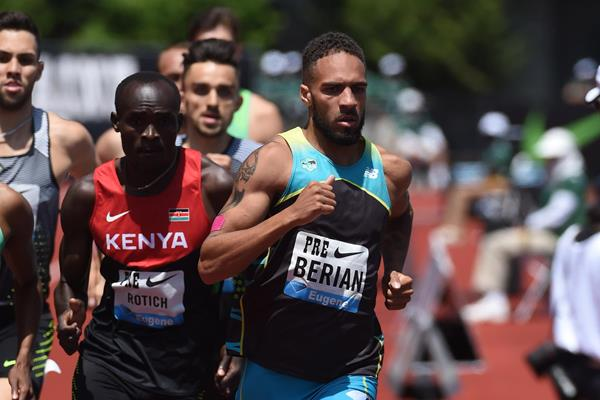 Boris Berian in the men's 800m at the 2016 IAAF Diamond League meeting in Eugene (Kirby Lee)